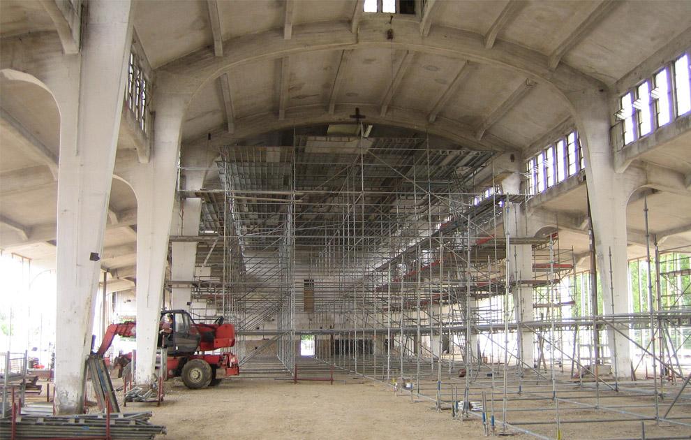 Raumgerüst in der Historische Schlachthofhalle in Koblenz 2009