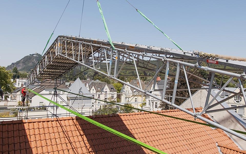 Geruestbau-Schmiedt_Wetterschutzdach-Bad-Honnef-Mitarbeiter134